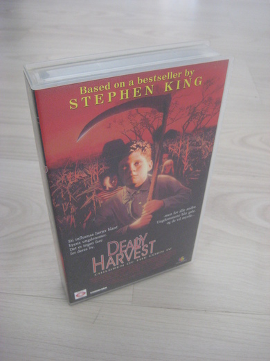 DEADLY HARVEST. 18 ÅR, 1995, 92 MIN.