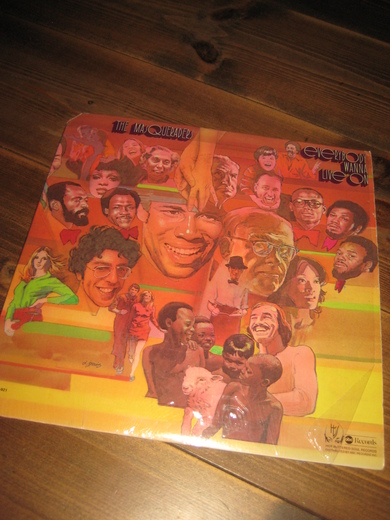 THE MASQUERADERS: EVERYBODY WANNA LIVE ON. 1975.