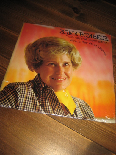 ERMA BOMBECK: The Family That Plays Together. 1977.